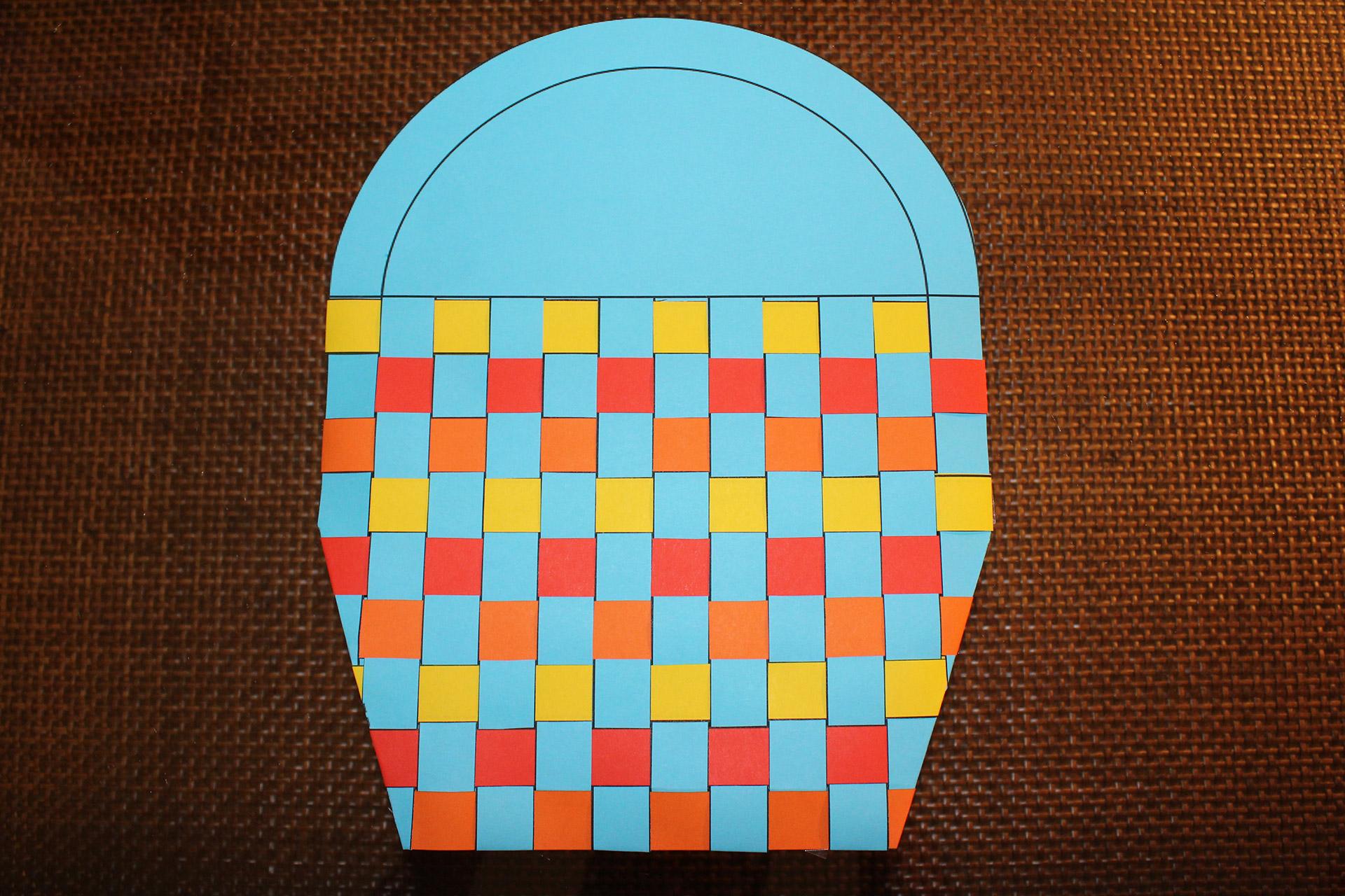 Koszyczek wielkanocny z papieru