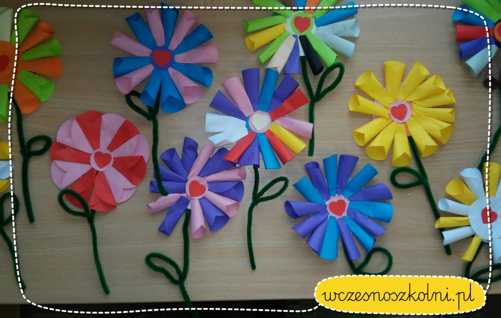 kwiatek z papierowych kolek (5)