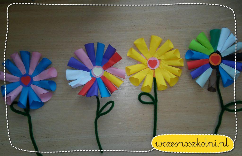 kwiatek-z-papierowych-kolek-origami